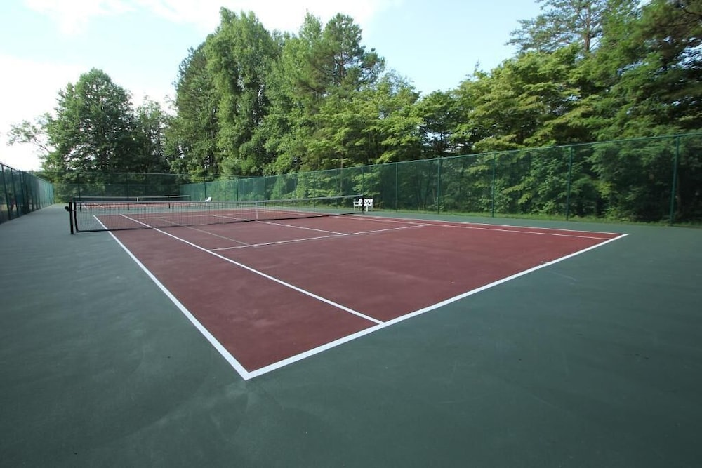 Tennis Court, Kingwood Resort