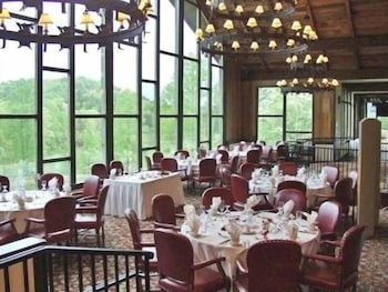 Restaurant, Kingwood Resort