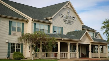 Country Inn & Suites by Radisson, Stockton, IL