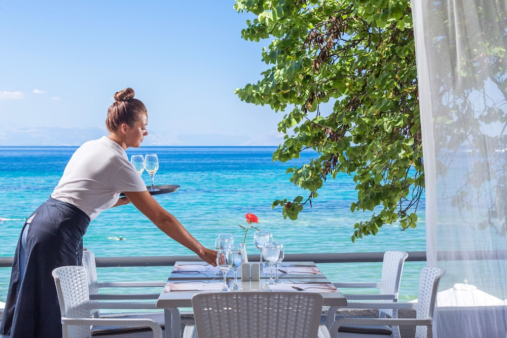 Outdoor Dining, Aeolos Beach Resort All Inclusive