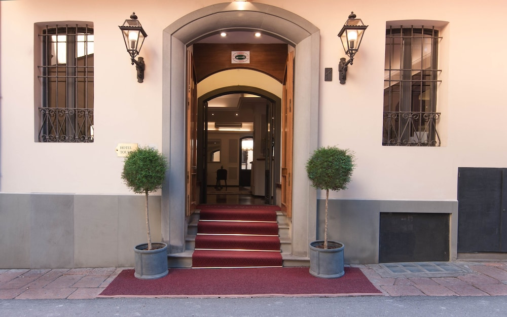 Touring Hotel In Bologna Hotel Rates Reviews On Orbitz