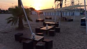 Beach shuttle, sun-loungers, beach umbrellas, beach towels