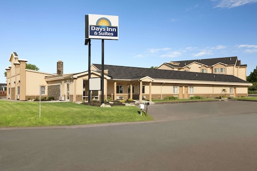 Check Expedia for Availability of Quality Inn & Suites Glenmont - Albany South