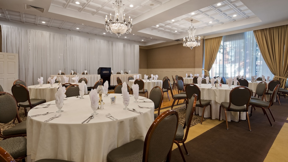 Banquet Hall, Genetti Hotel, SureStay Collection by Best Western