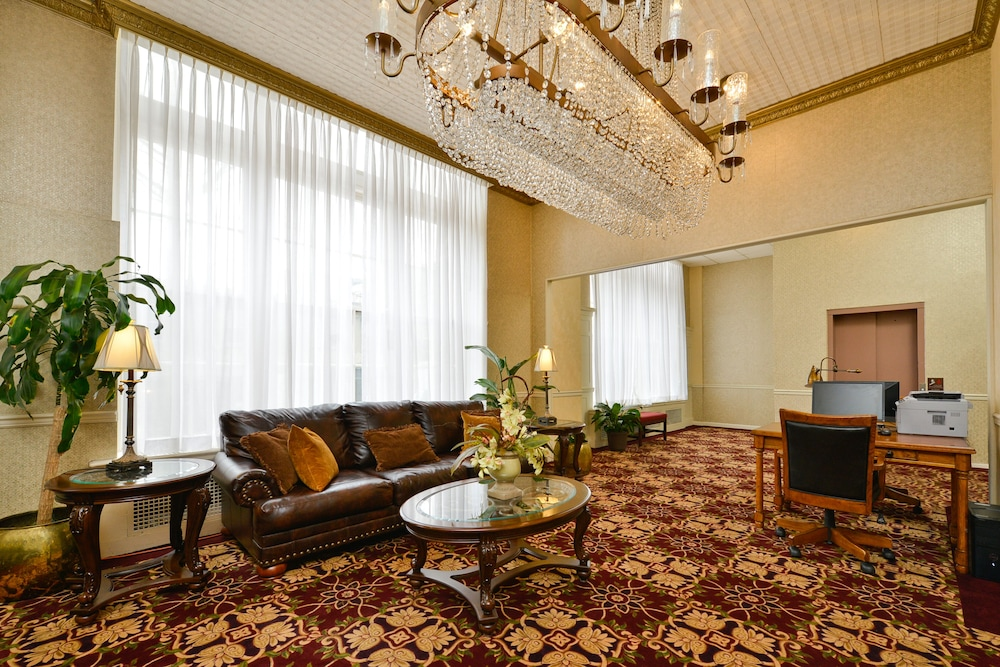 Business Center, Genetti Hotel, SureStay Collection by Best Western