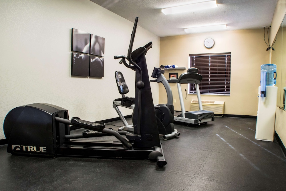 Fitness Facility, Country Inn & Suites by Radisson, Dayton South, OH