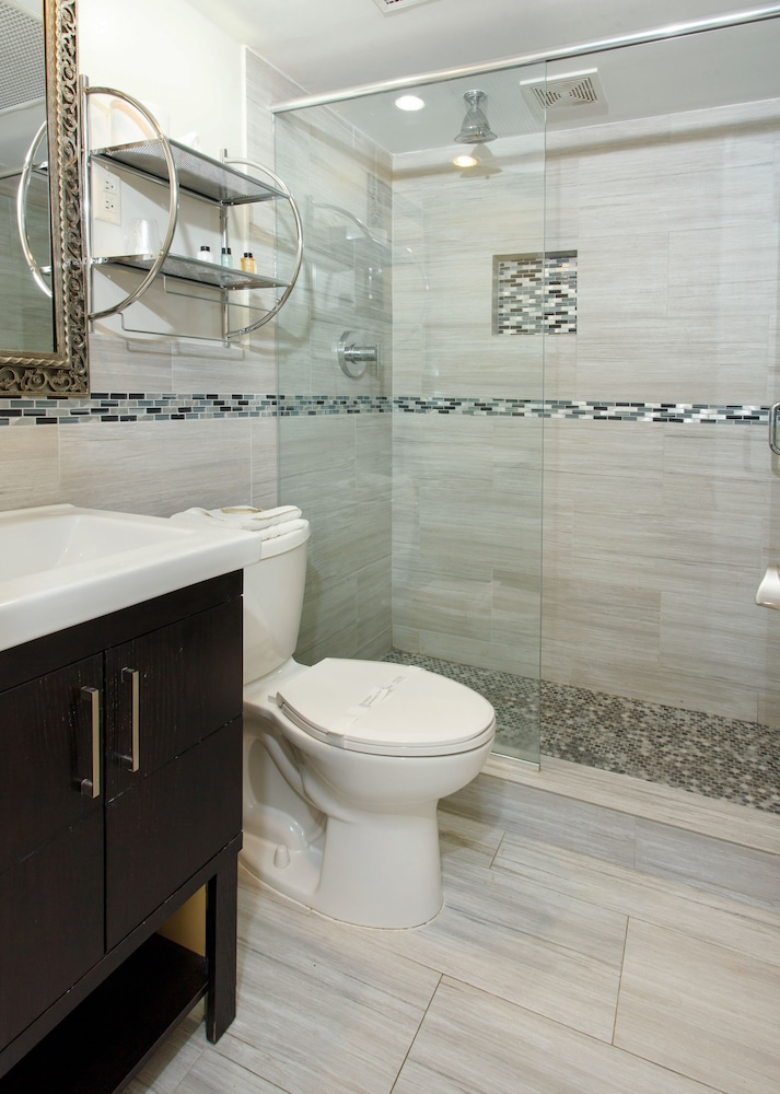 Bathroom, The Sea Lord Hotel & Suites