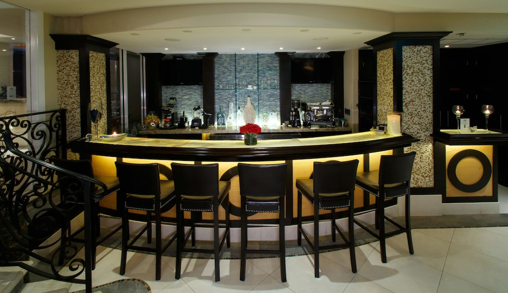 Bar, The Sea Lord Hotel & Suites