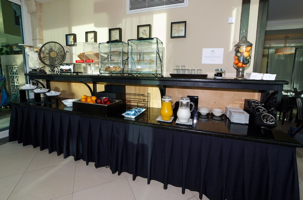 Breakfast Area, The Sea Lord Hotel & Suites