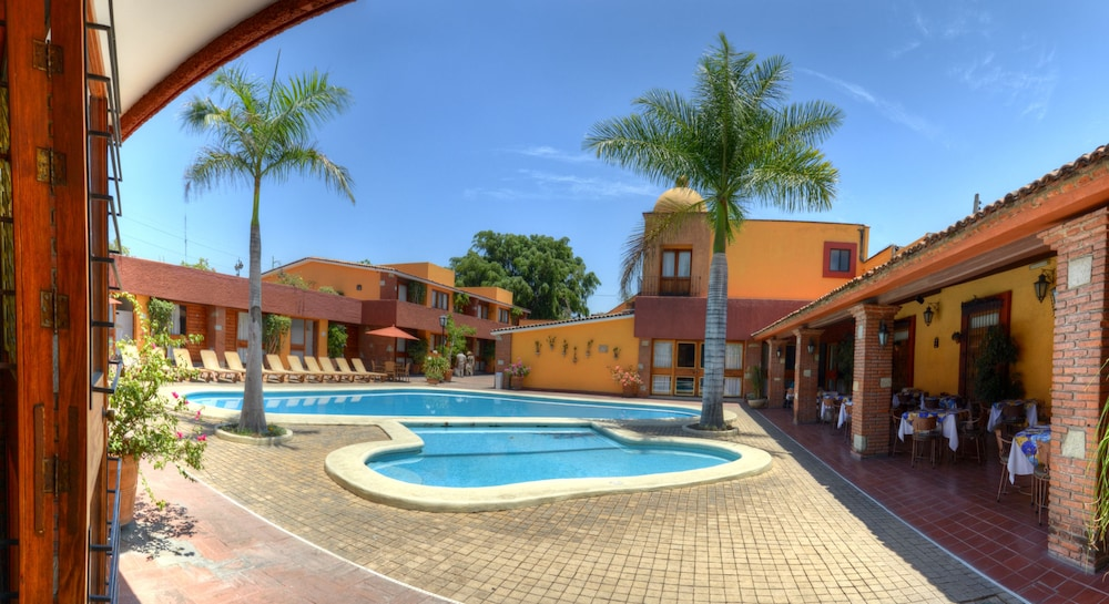 Featured Image, Hotel Hacienda