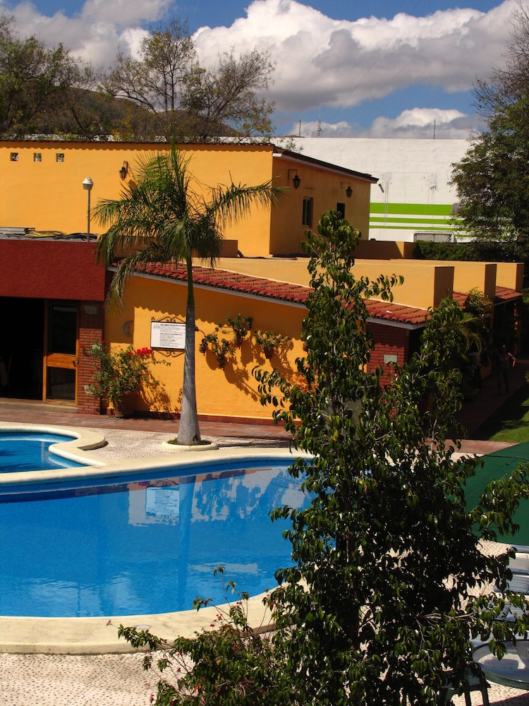 Children's Pool, Hotel Hacienda