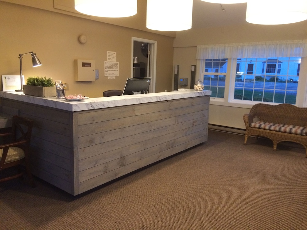 Reception, Holiday Hill Inn & Suites