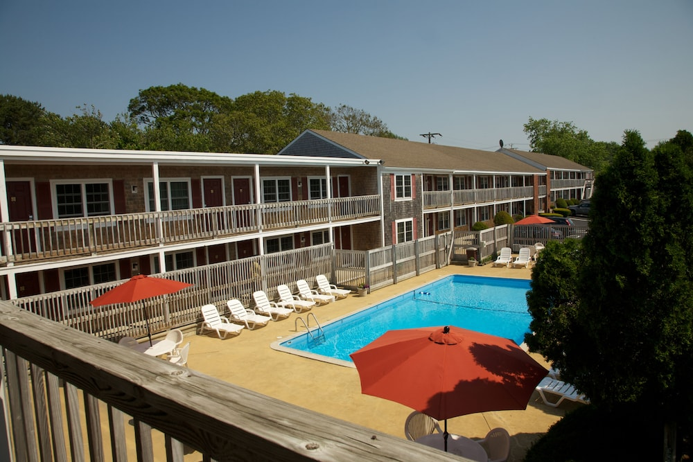 Featured Image, Holiday Hill Inn & Suites