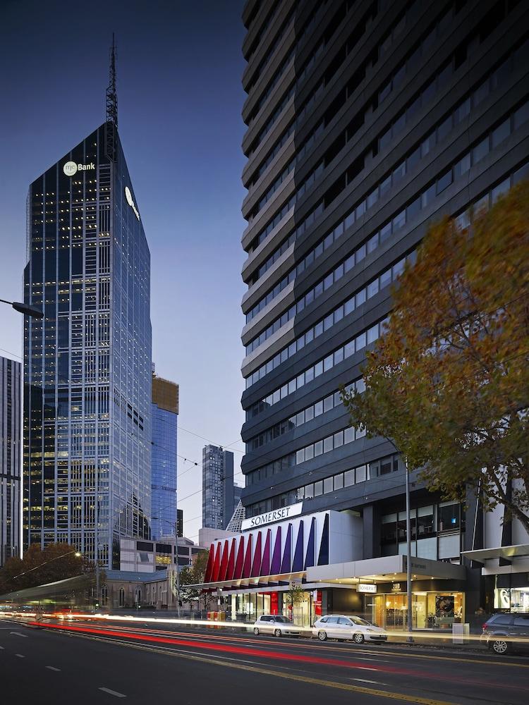 Date diff in Melbourne