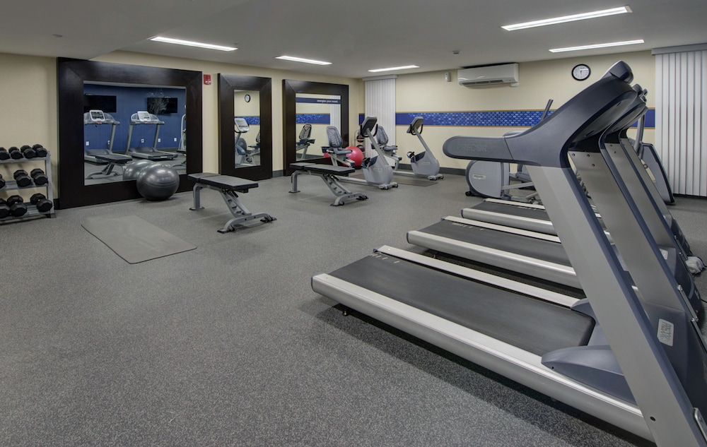 Fitness Facility, Hampton Inn & Suites by Hilton Rockville Centre