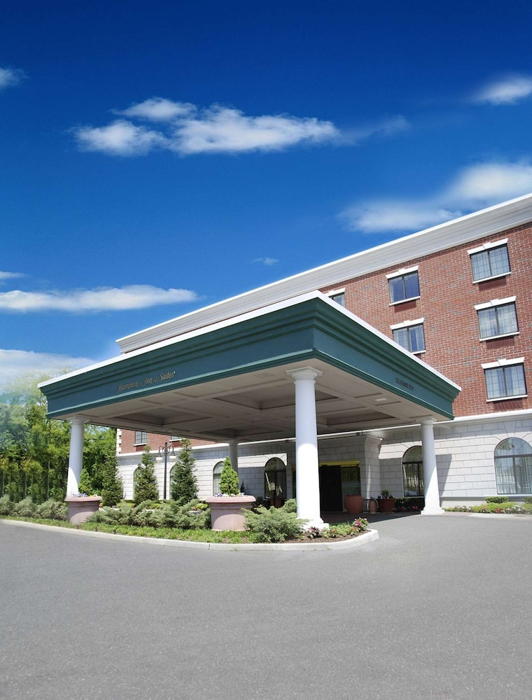 Exterior, Hampton Inn & Suites by Hilton Rockville Centre