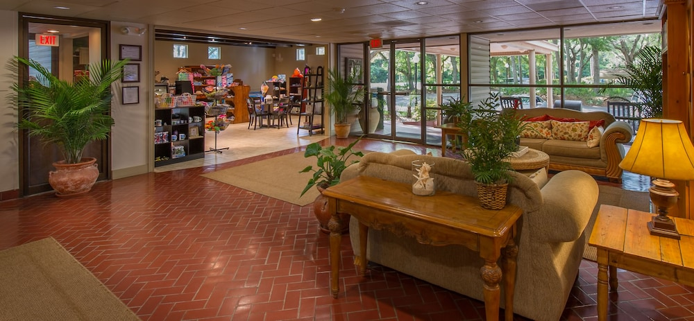 Lobby, Villas By the Sea Resort & Conference Center