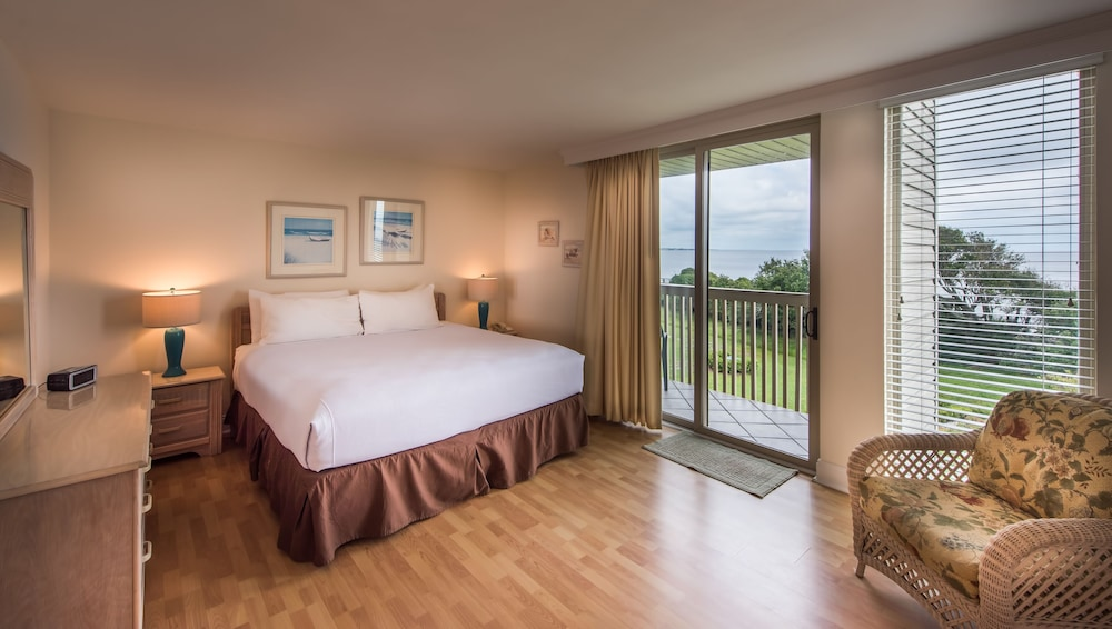 Room, Villas By the Sea Resort & Conference Center
