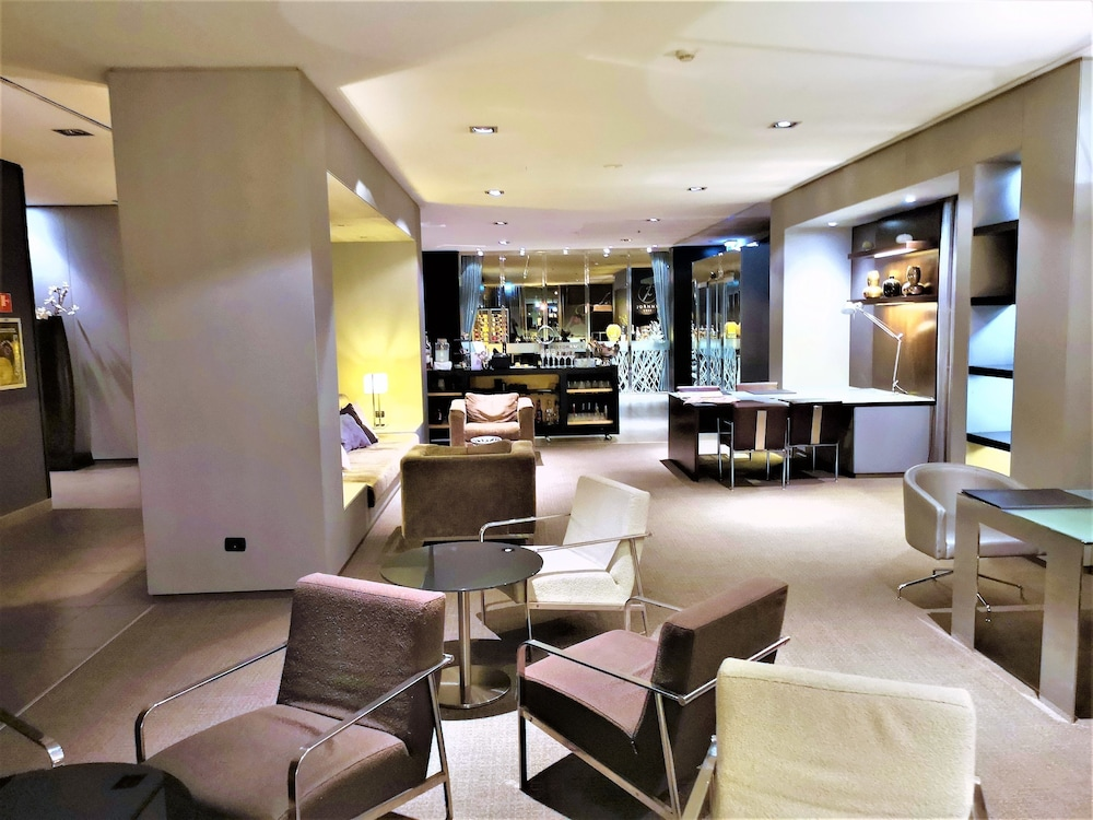 Lobby Lounge, AC Hotel Arezzo by Marriott
