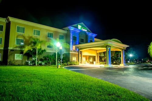 Holiday Inn Express Hotel & Suites Cocoa