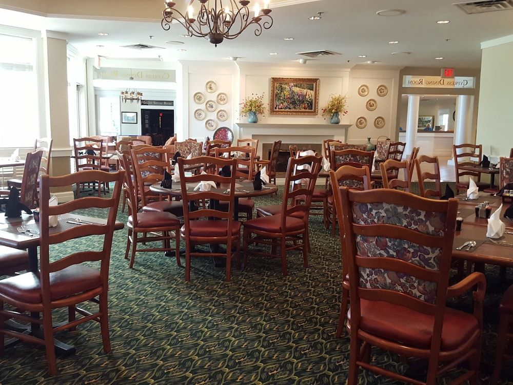 Restaurant, Cypress Bend Resort Best Western Premier Collection