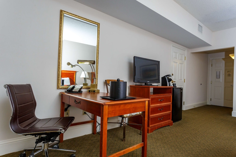 Room Amenity, Cypress Bend Resort Best Western Premier Collection