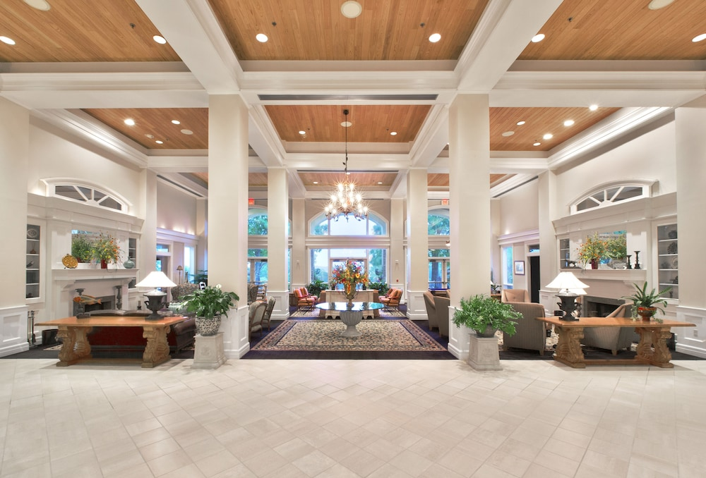 Interior Entrance, Cypress Bend Resort Best Western Premier Collection