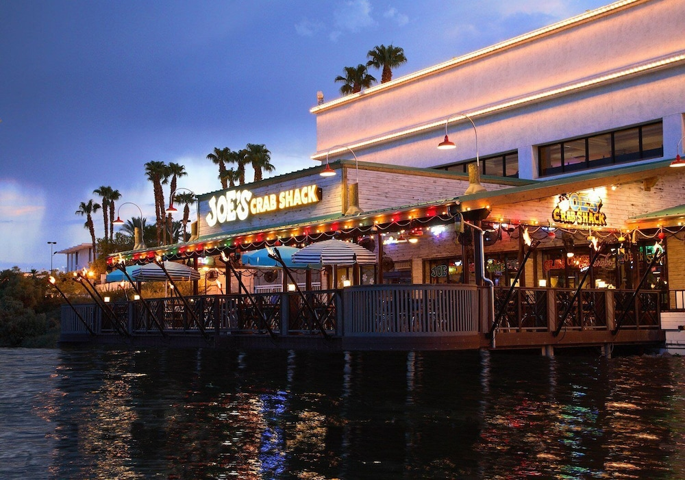 Exterior, Golden Nugget Laughlin