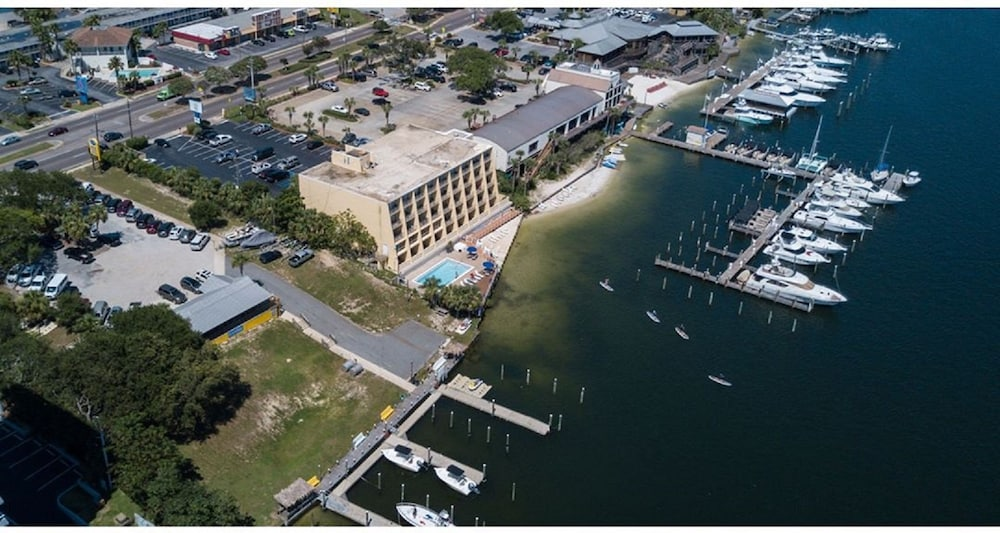 Aerial View, Inn on Destin Harbor