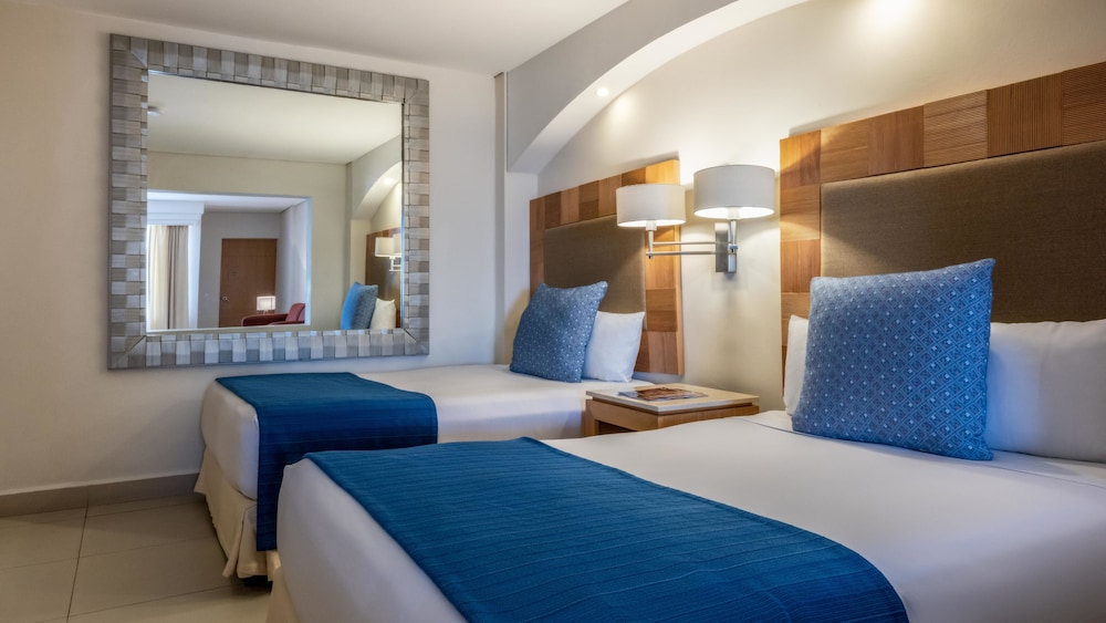 Room, Park Royal Beach Huatulco – All Inclusive