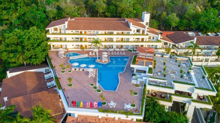Park Royal Beach Huatulco – All Inclusive