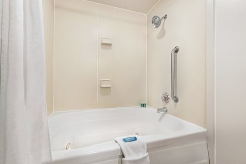 $49 Hotels near Florence Motor Speedway in Florence South