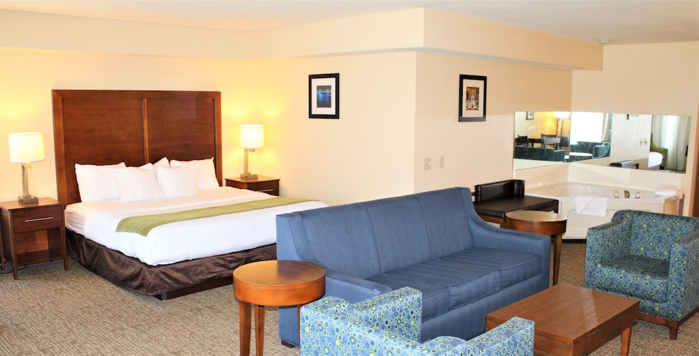Room, Comfort Inn & Suites St. Louis - Chesterfield