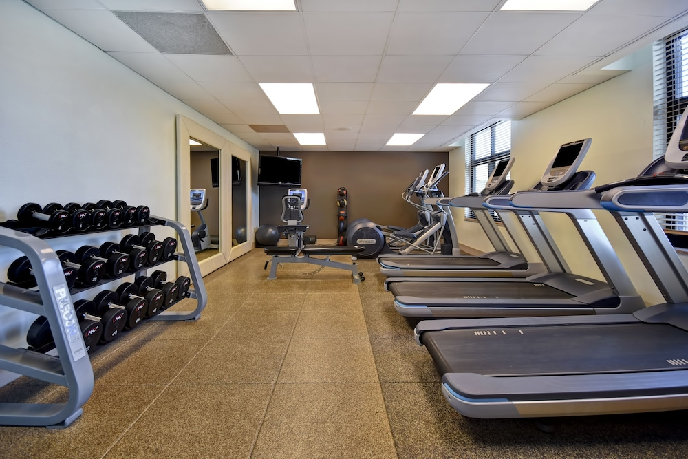 Fitness Facility, Embassy Suites by Hilton Hot Springs Hotel & Spa