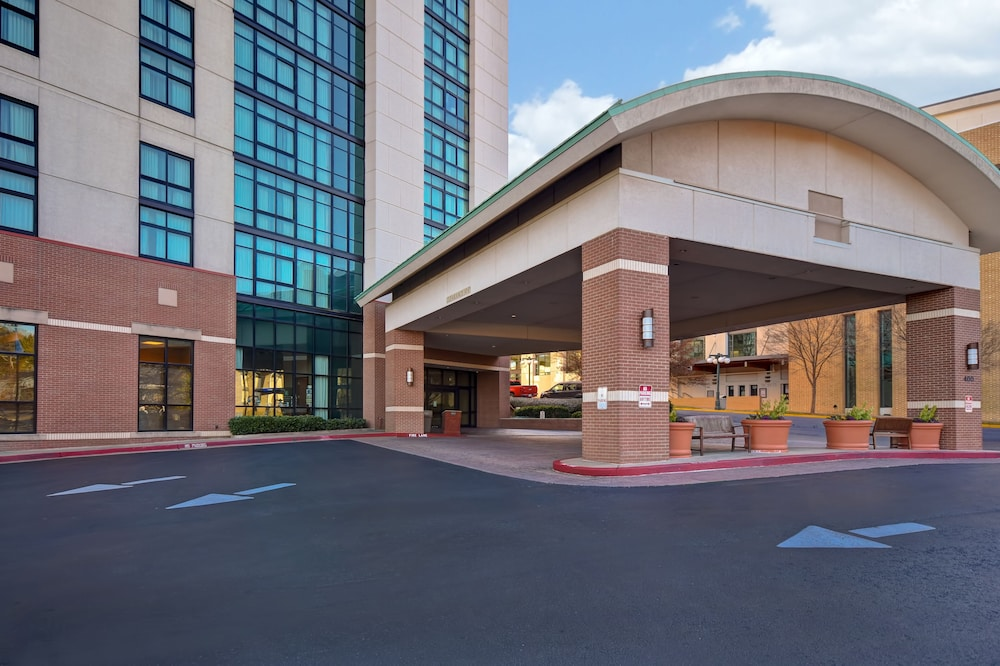 Exterior, Embassy Suites by Hilton Hot Springs Hotel & Spa