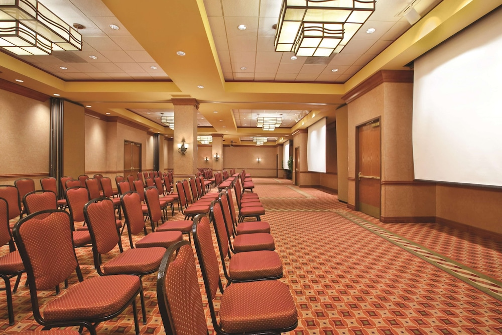 Ballroom, Embassy Suites by Hilton Hot Springs Hotel & Spa