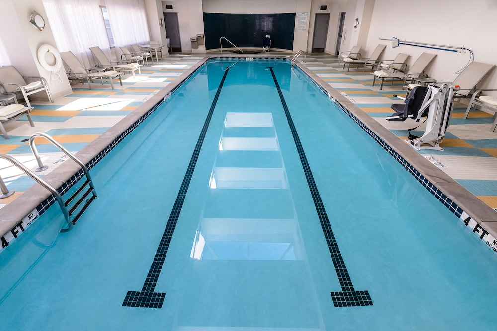 Pool, Georgia Tech Hotel and Conference Center