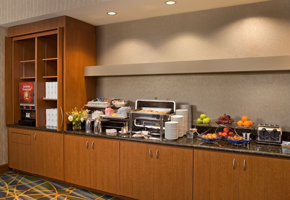 Breakfast Area, Georgia Tech Hotel and Conference Center