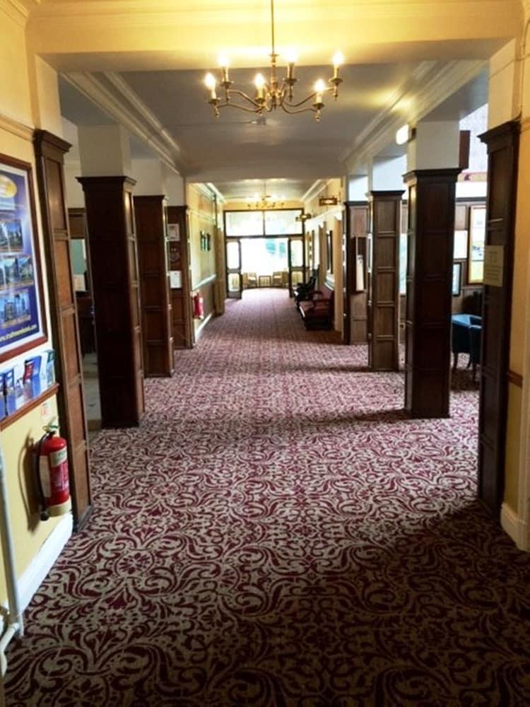 Bria Grand Hotel