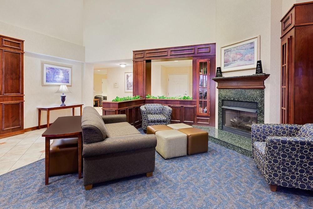 Baymont By Wyndham Grand Rapids Sw  Byron Center  2018 Room