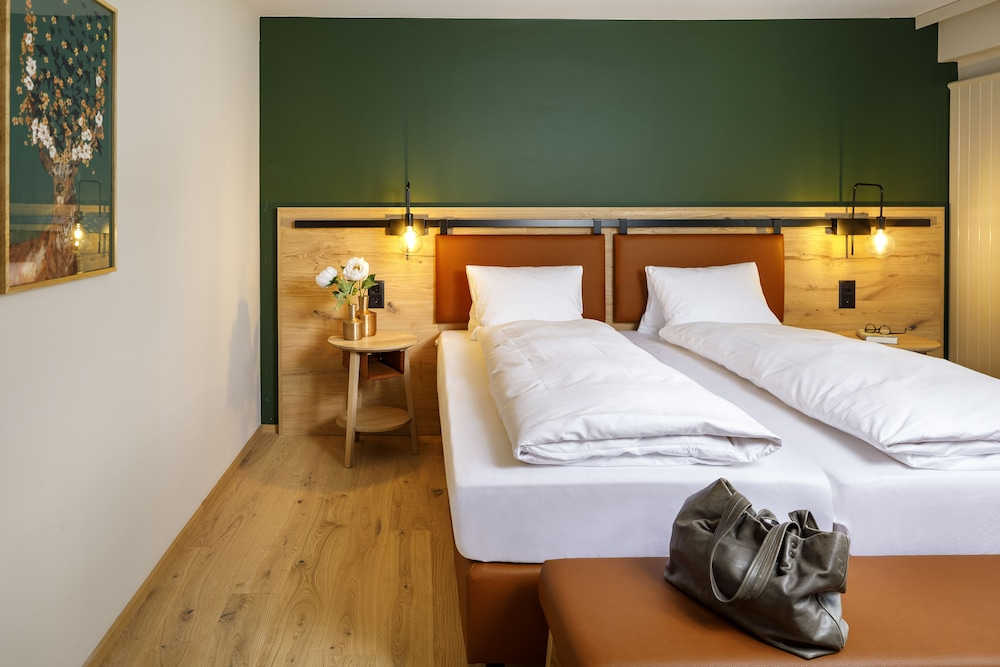 Room, Hirschen Wildhaus Swiss Quality Hotel