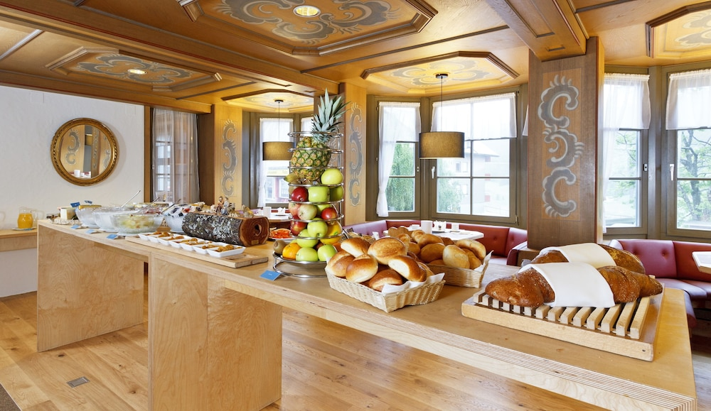 Breakfast buffet, Hirschen Wildhaus Swiss Quality Hotel