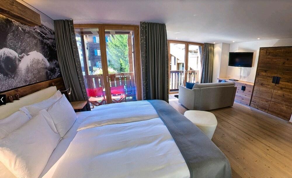 Book europe hotel spa zermatt hotel deals for Hotel design valais