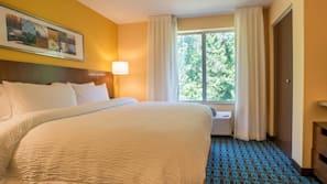 Premium bedding, desk, iron/ironing board, free rollaway beds