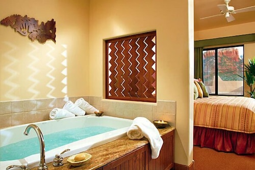Deep Soaking Bathtub, Hyatt Residence Club Sedona, Piñon Pointe