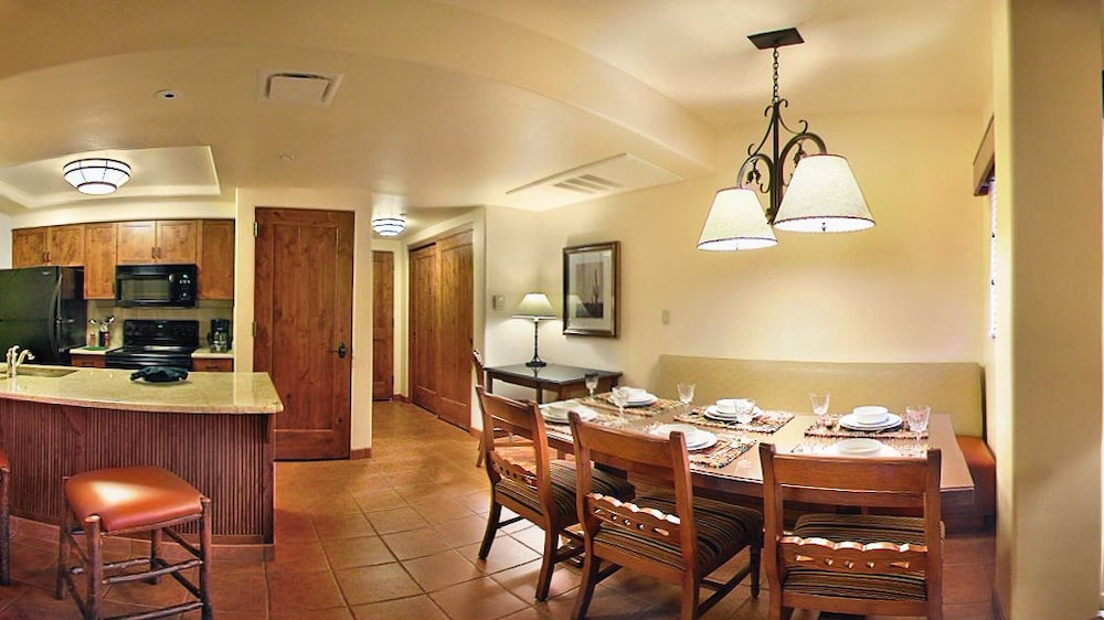 In-Room Dining, Hyatt Residence Club Sedona, Piñon Pointe