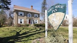 White Horse Inn - Pittsfield Hotels