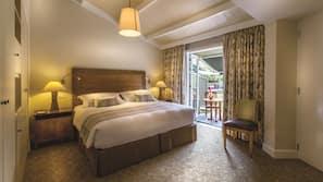 1 bedroom, down duvet, free minibar, in-room safe