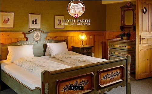 Hotel Bären - The Bear Inn