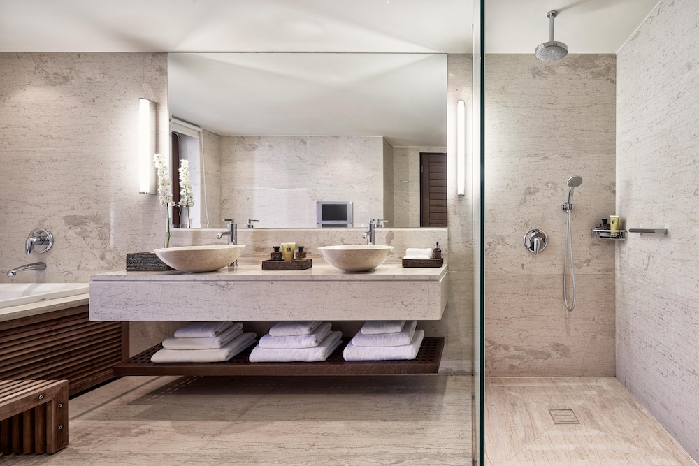 Bathroom, Blue Palace, a Luxury Collection Resort and Spa, Crete